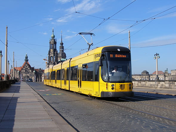 Yellow tram on Augustusbrücke